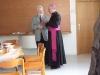 Otec biskup si najde čas i na neformální setkávání...
