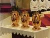 Ty jsou umístěny po boku obětního oltáře