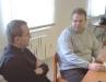 Otec Václav Koloničny při rozhovoru s otcem Martinem, který byl s námi také...