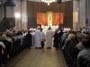 Přinášení olejů k oltáři