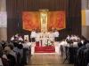 Prostor oltáře během slavnostní liturgie