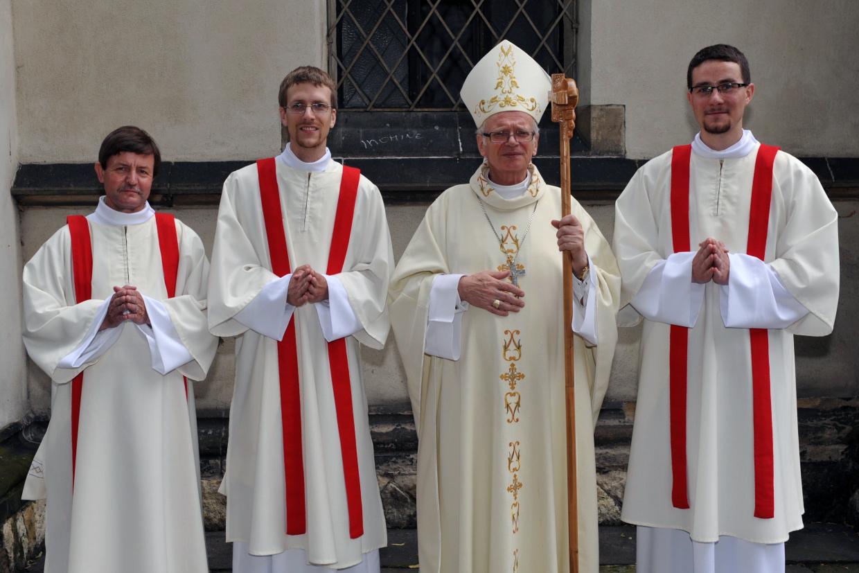 Společně s diecézním biskupem