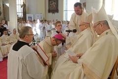 Svěcení-pomocného-biskupa06